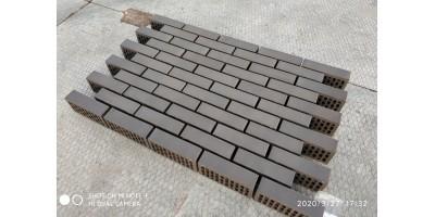 Кирпич одинарный лицевой Темно-коричневый гладкий 1НФ М200 F200